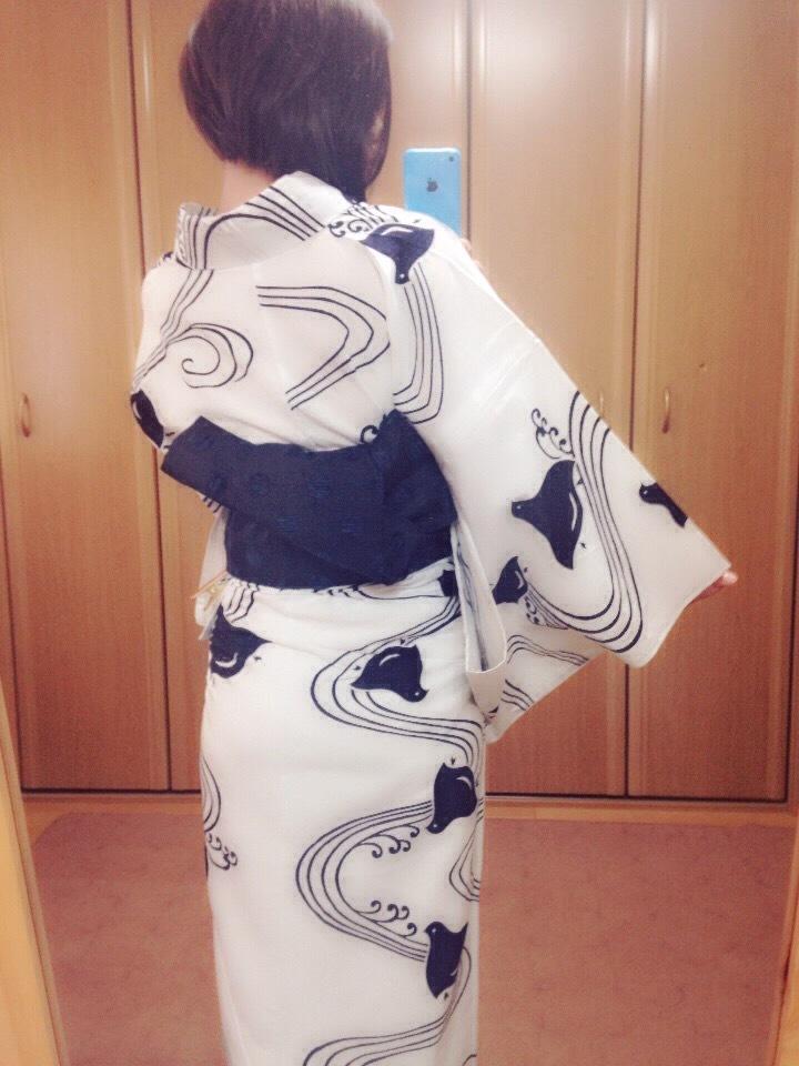 浴衣の衣紋をシャキッとする方法/大阪の着付け教室きものたまより