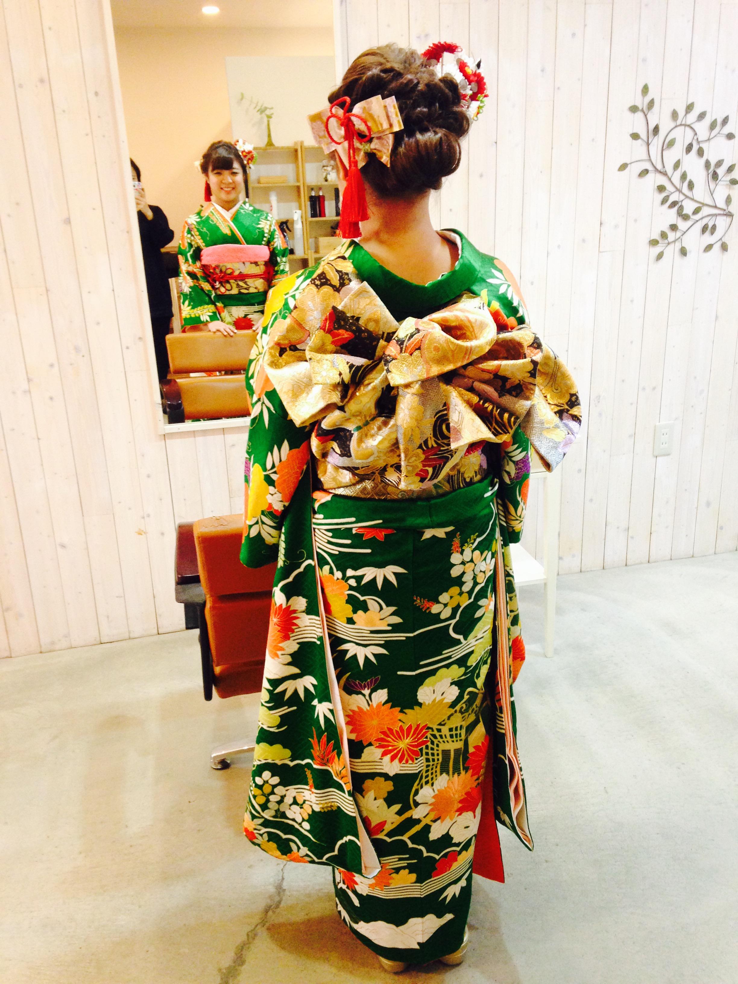成人式の可愛いお嬢様のお着付け/大阪の着付け教室きものたまより