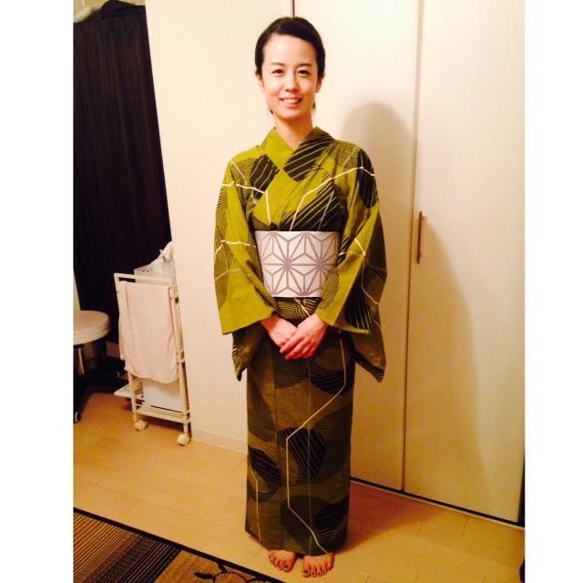 美人さんに浴衣のお着付け/大阪の着付け教室きものたまより