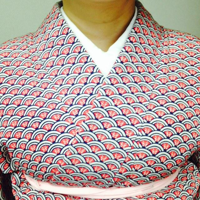コース初期から左右対称の衿合わせが美しい/大阪の着付け教室きものたまより