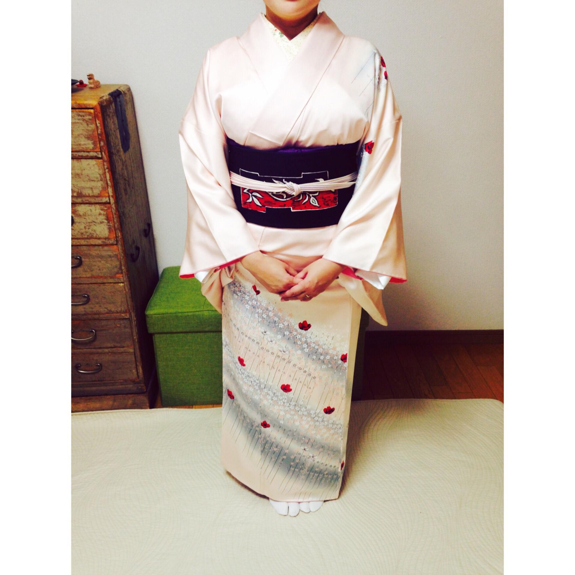 着物をビシッと着るには空気を抜いて布を身体に沿わせる【大阪京橋の着付け教室きものたまより】