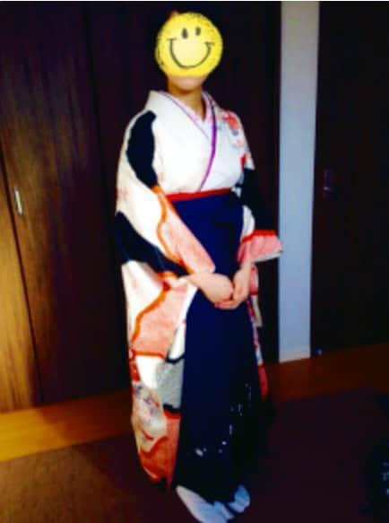 卒業式のために袴の自装のお生徒様