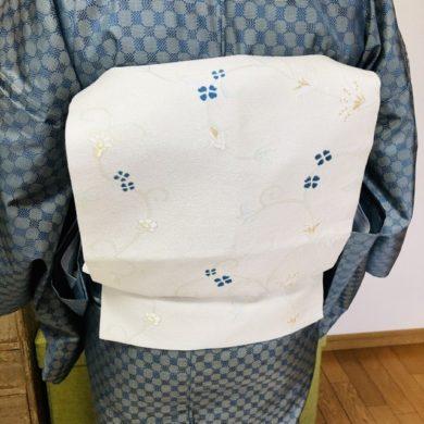 帯の巻き方の違い・関西巻きと関東巻き