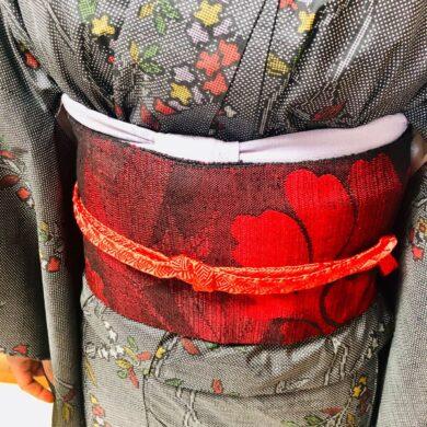 着せ付けコースで着物の構造を知ったうえでの礼装コースと普段着着物のレッスンのお生徒さん達